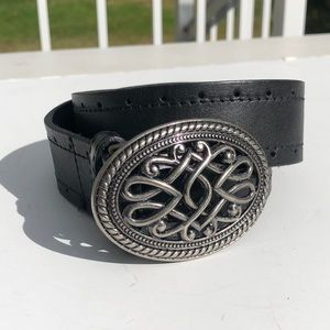 Beautiful genuine leather belt detail buckle